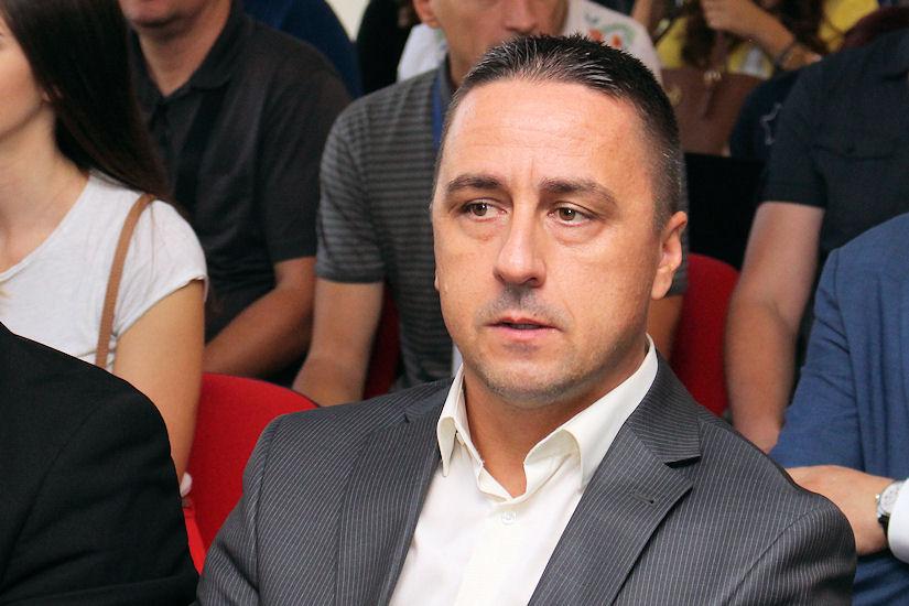 Požega ironizira Bandićev počasni doktorat