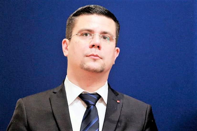Osječko-baranjski SDP osudio natpis na ploči dvanaestorici hrvatskih vojnika u Valpovu