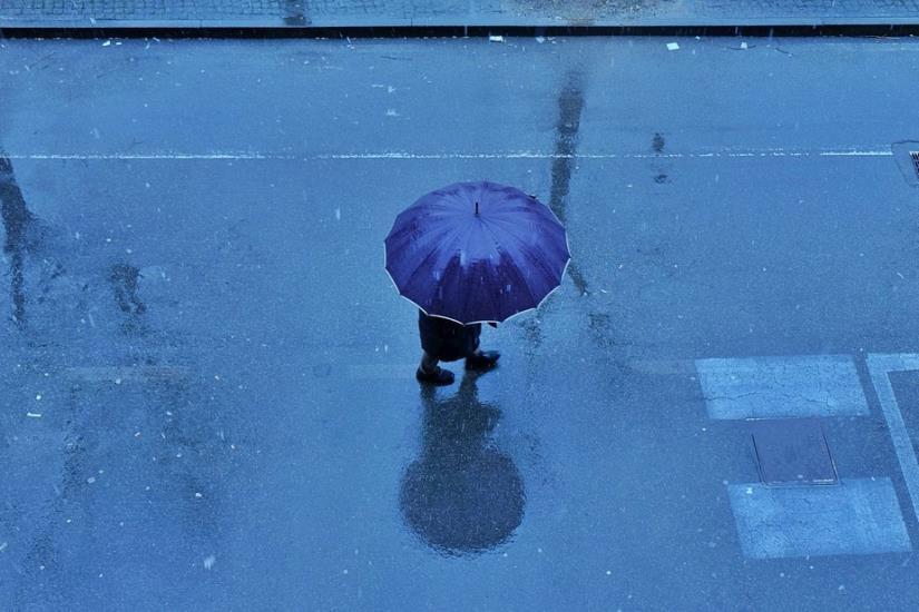 U unutrašnjosti umjereno i znatno oblačno ponegdje uz malo kiše