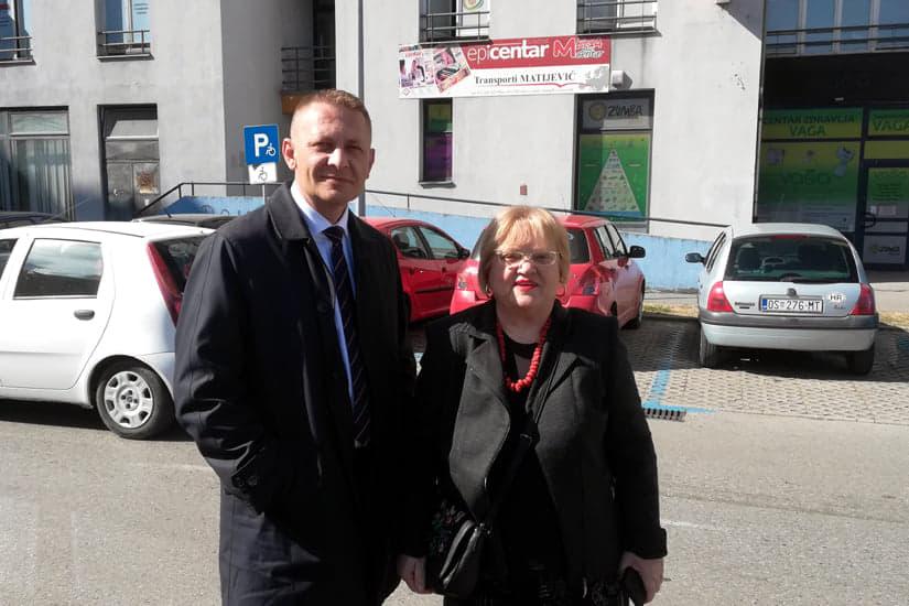 Amsterdamska koalicija pod prozorom Osijek News-a