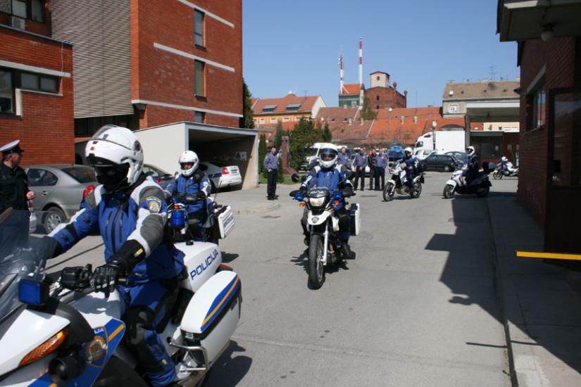 Policija najavljuje nadzor cestovnog prometa mobilnom jedinicom