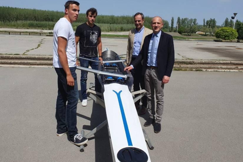 Trenutno najperspektivniji hrvatski veslači dobili novi čamac za vožnju