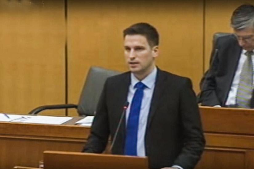 HDZ-ovac Modrić nokautirao mladića u Zagrebu – osječki šef HDZ-a Radić poručuje: Suspendiran je!
