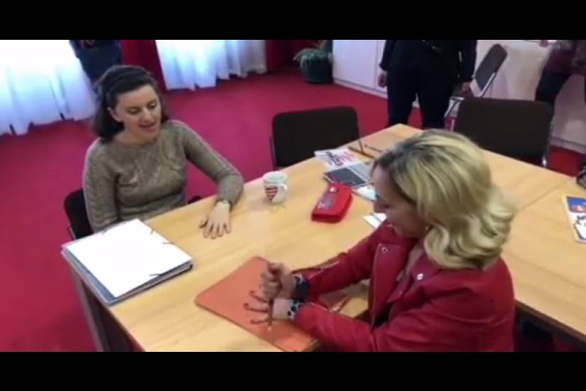"""Sandra Lončarić i Maja Posavec pokazale kako se """"igra"""" s noževima"""