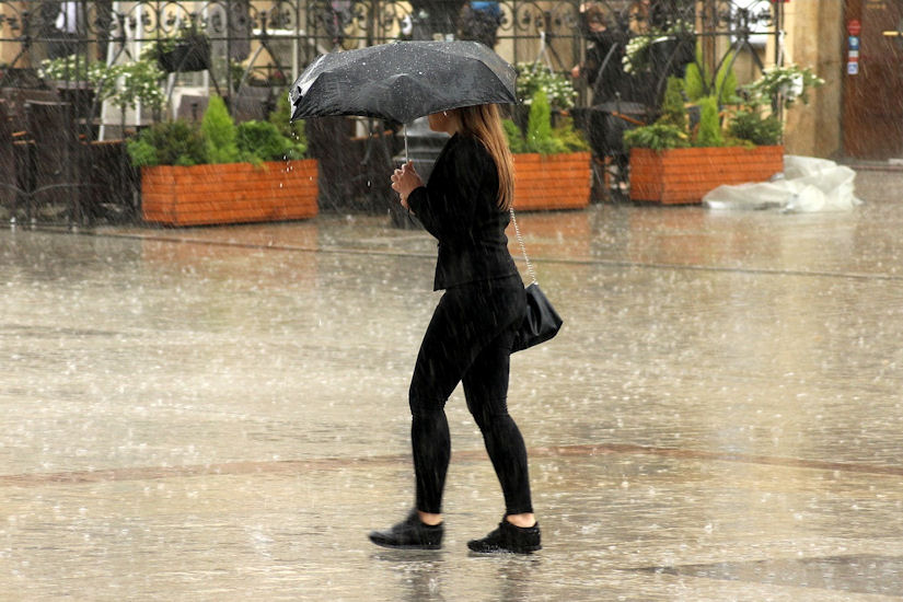 Ni danas nigdje ne krećite bez kišobrana!