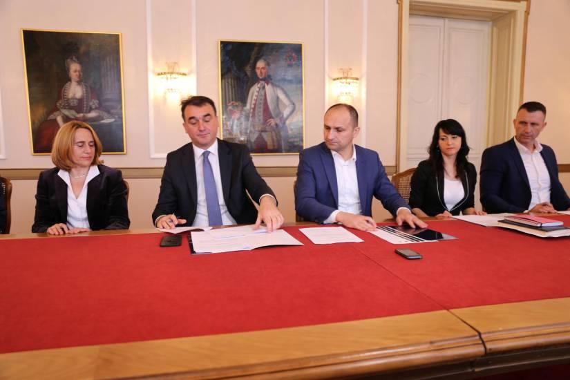 Sustavno opremanje svih domova zdravlja i ambulanti u Osječko-baranjskoj županiji