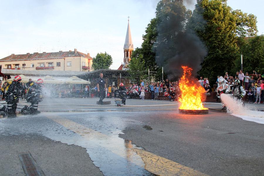 FOTO: Pokazna vatrogasna vježba! Nema iznenađenja za DVD!