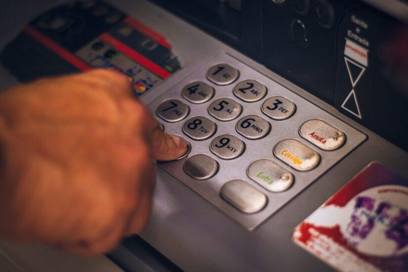 HGK: Ovrhe na plaće treba potpuno prebaciti na Finu