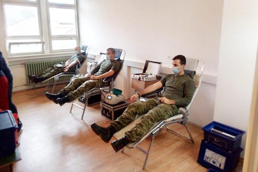 Dobrovoljno darivanje krvi u vojarni u Vinkovcima