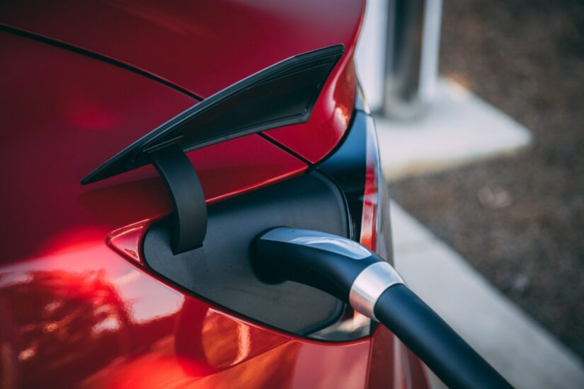 EU želi 30 milijuna električnih vozila na cestama do 2030.