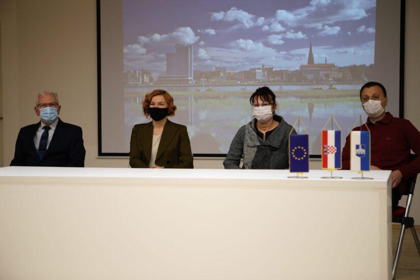 Grad Osijek će s pola milijuna kuna parovima sufinancirati troškove pomognute oplodnje